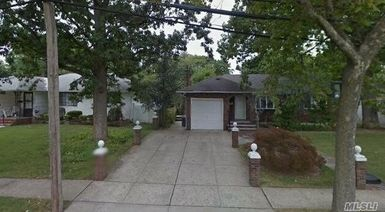 892 Barry Dr