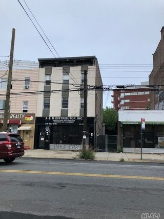 23-31 Astoria Blvd