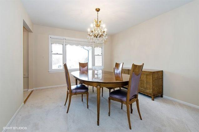 1040 New Trier Court Wilmette Il 60091 Mls 09573308 Estately