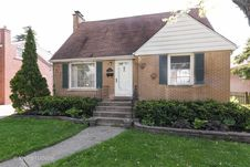585 South Stratford Avenue