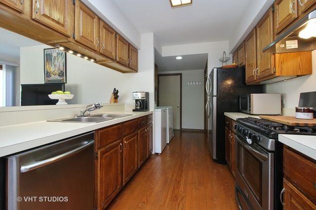 14451 South Ravinia Avenue, Orland Park, IL 60462 - MLS# 09766282 ...