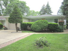 206 South MOUNT PROSPECT Road