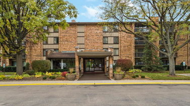 301 LAKE HINSDALE Drive Unit 411