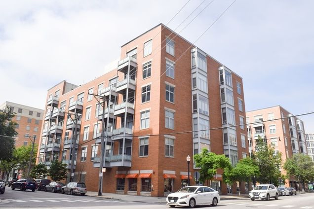 City Of Madisons Near West Side Is One >> 939 West Madison Street Unit 207 Chicago Il 60607 Mls 10421532 Estately