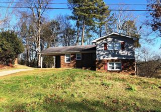 135 Cantrell Drive SW