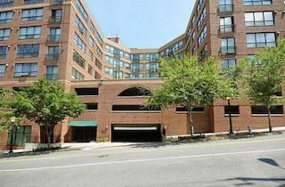 115 W Peachtree Place NW Unit408