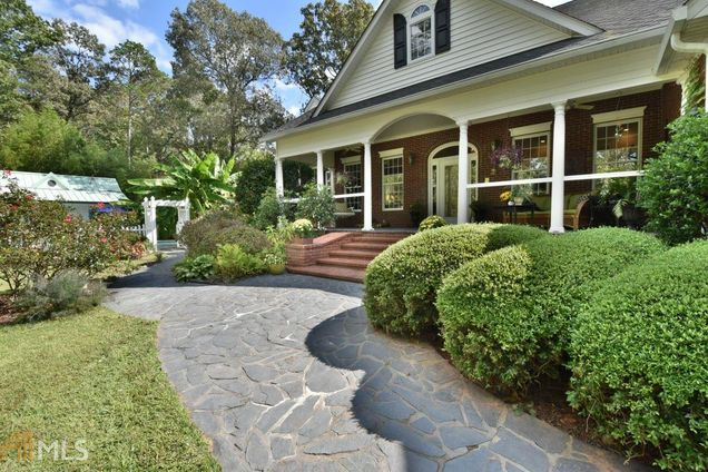 5641 Ridgeway Cir, Gainesville, GA 30506 - MLS# 8266182   Estately