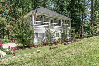166 Hickory Point DR