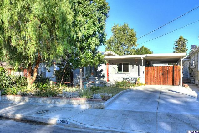 10642 Nassau Avenue Sunland Ca 91040 Mls 318004436 Estately