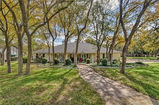 2 Twin Lakes Court