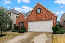 909 Eagle Creek Trail