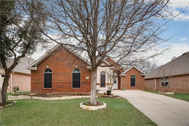 Country Lakes North, Denton, TX Real Estate & Homes for Sale - Estately