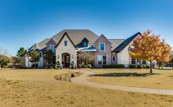 5400 Oak Bend Trail
