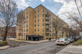 2736 Independence Avenue Unit 4A