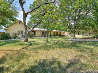 203 HILL COUNTRY LN
