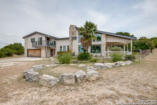 837 MILITARY DR