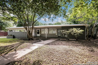 1106 CHEVY CHASE DR