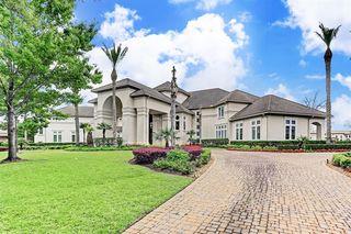 21 Grand Manor