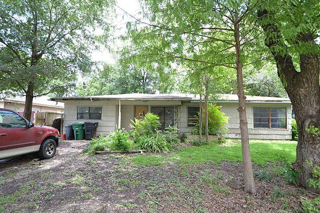 1219 Regal Street, Houston, TX 77034 - MLS# 66236868 | Estately