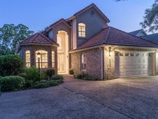 367 Meadowlakes DR