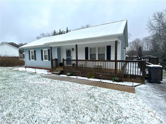 5219 River Rd Liberty Grove Road - Photo 1 of 15