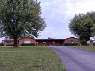 2257 Red Top Road