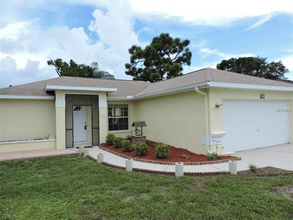 1329 Keyway Rd, ENGLEWOOD, FL 34223 - MLS# D5906422 | Estately