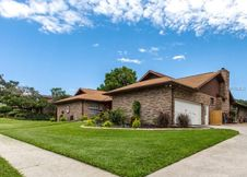 2717 Fairway View Dr