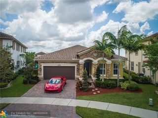 10290 Waterside Ct