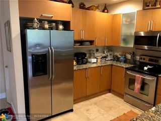 818 NE 19th Ave Unit 818