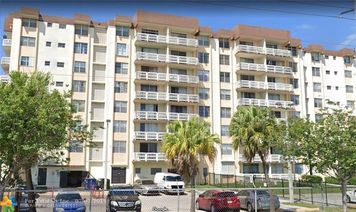 15600 NW 7th Ave Unit 808
