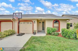 9830 NW 76th Ct Unit 9830