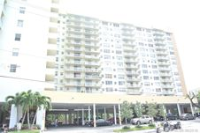 137 Golden Isles Dr Unit 614