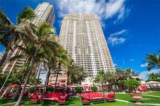 17875 Collins Ave Unit 3203