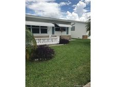 1620 NW 66th Ter