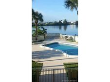 900 Crystal Lake Dr Unit 2B