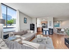 1330 West Avenue Unit 414