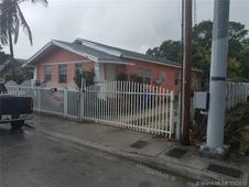 1237 SW 12th Ave