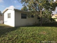 4001 NW 38th Ter