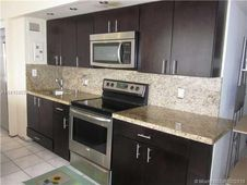 900 Bay Dr Unit 1015