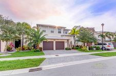 6960 NW 104th Ct
