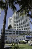 4391 Collins Ave Unit 916