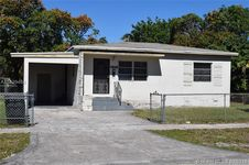 1555 NW 124th St