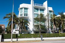 7728 Collins Ave Unit 15
