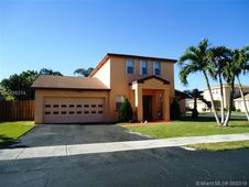 9484 NW 52nd Mnr