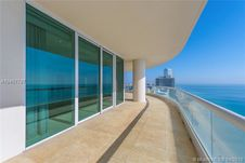 16051 Collins Ave Unit 3304