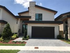 10348 NW 76th Ter