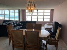 5401 Collins Ave Unit 811