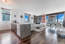 500 Brickell Ave Unit 3701