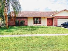 7130 NW 46th Ct